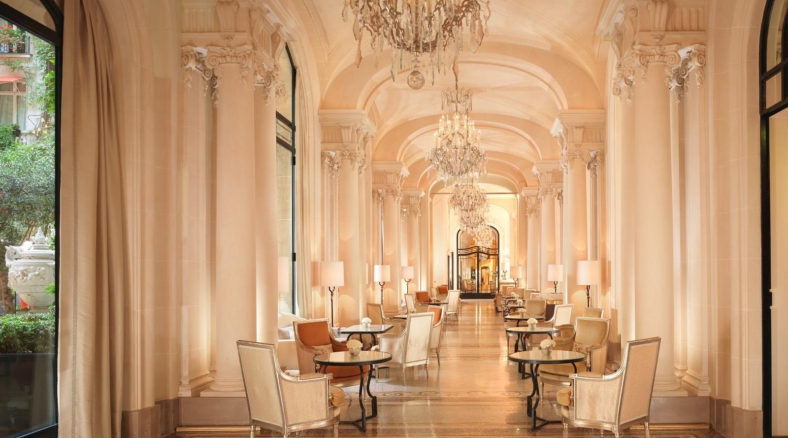 Business Breakfast - La Galerie - Plaza Athénée - Paris