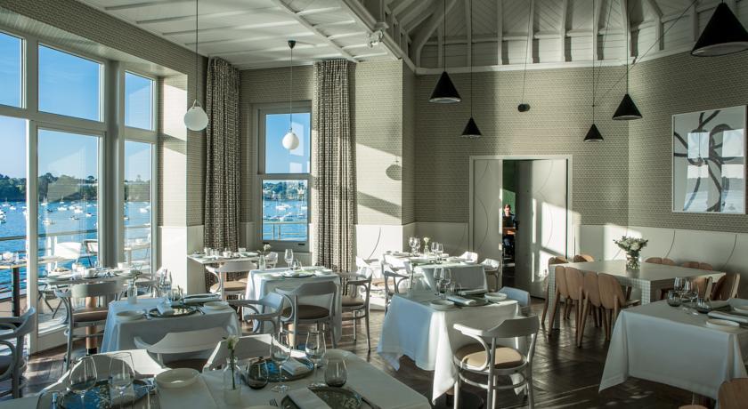 Intérieur restaurant Castelbrac Dinard